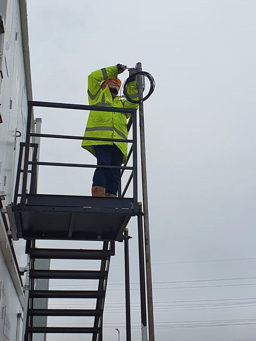 Installing the master beable beacon