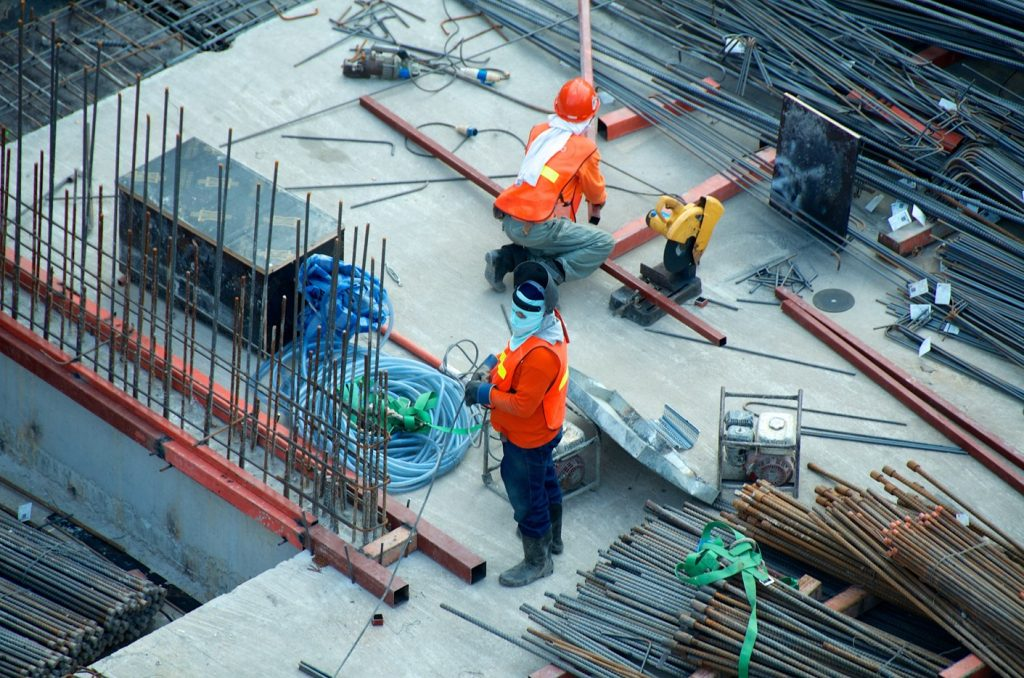Pathways to Construction Course 4 Weeks to Ready Workers Photo Credit Etienne Girardet via unsplash (1)